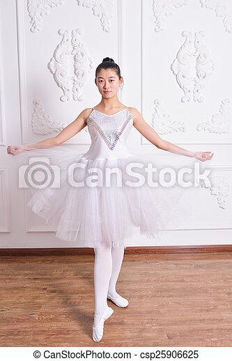 Ballet - csp25906625