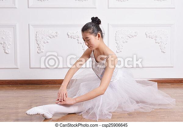 Ballet - csp25906645