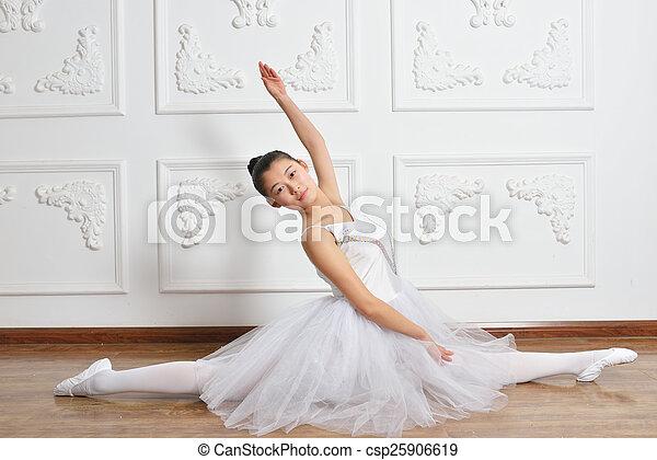 ballet - csp25906619