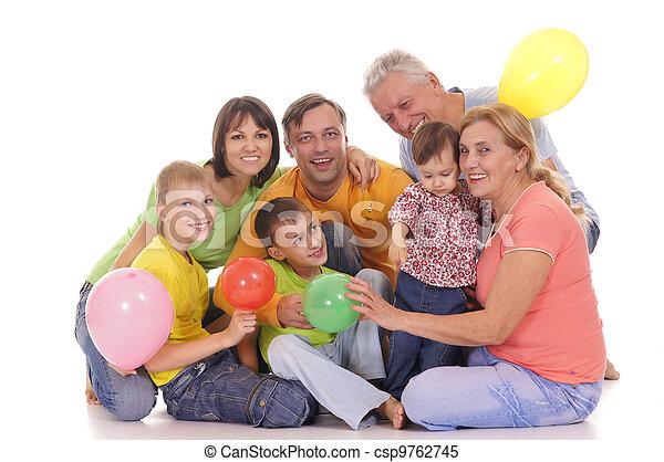 Familia con globos - csp9762745