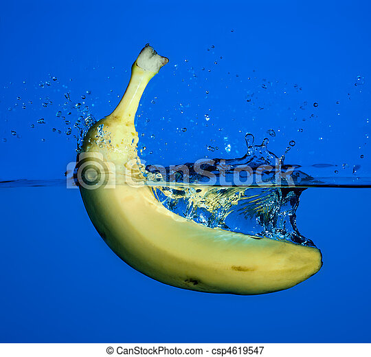 banan, splash. - csp4619547
