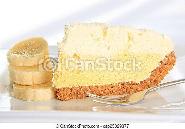 Banana cream pie - csp25029377