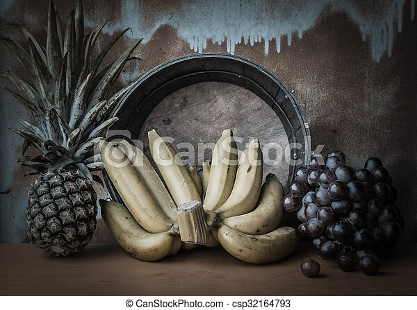 Bananas and fruits that are dried - csp32164793