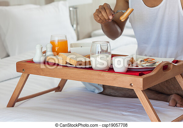 Bandeja de desayuno cama bandeja desayuno comida cama hombre - Bandeja desayuno cama ...
