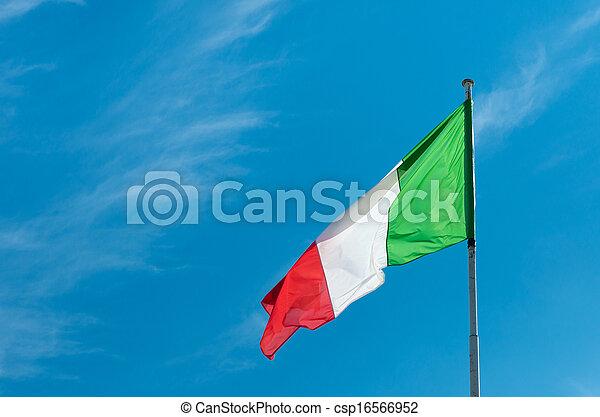Bandera italiana - csp16566952