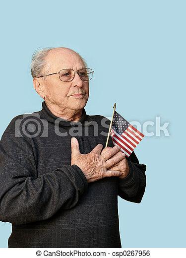 Viejo con bandera - csp0267956