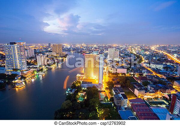 bangkok, sylwetka na tle nieba, zmierzch - csp12763902