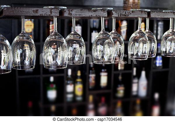 Gafas de vino en un bar - csp17034546