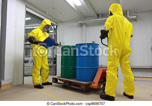 barris, entrega, químicos - csp8699707