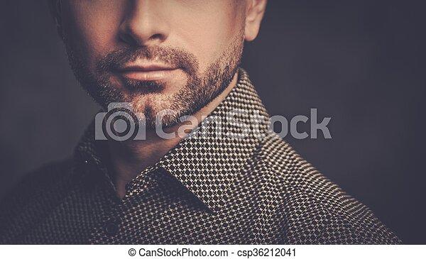 Gutaussehender mann