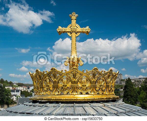 Corona y cruza en una cúpula de la Basílica de Nuestra Señora del Rosario de Lourdes, Francia - csp15633750