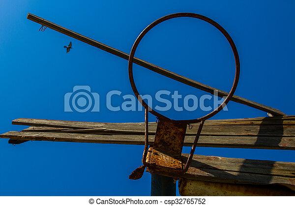 Basketball hoop - csp32765752