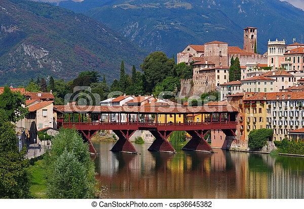 Bassano del Grappa Ponte Vecchio - csp36645382