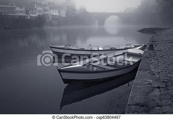 bateaux, brume - csp63804497