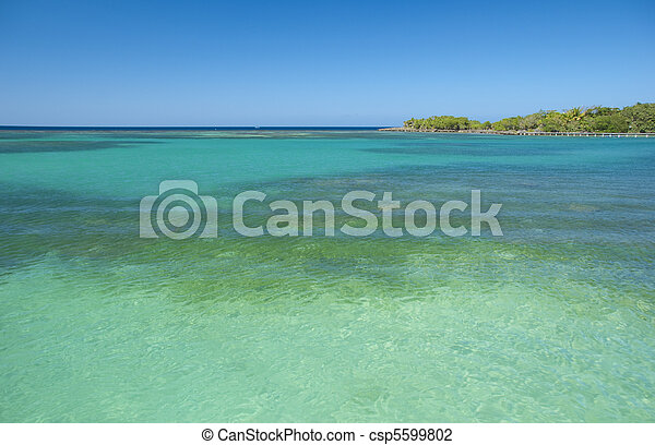 Beach and turquoise water - csp5599802
