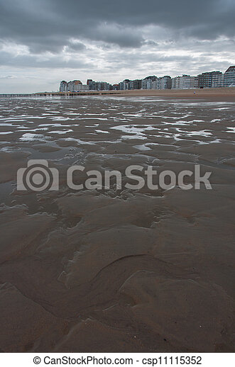 Beach at low tide - csp11115352