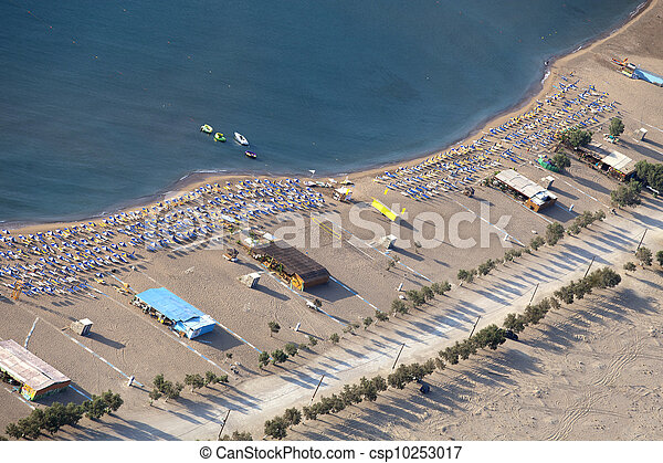 beach view from upstairs and beach road along the trees - csp10253017