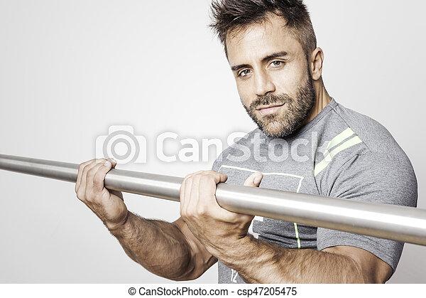 bearded bodybuilding man - csp47205475
