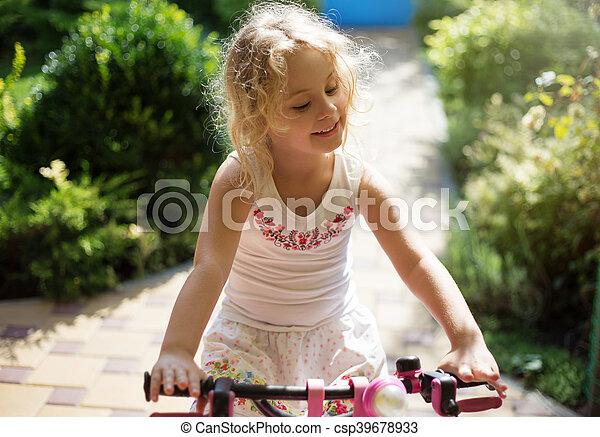 beau, été, peu, extérieur, parc bicyclette, girl - csp39678933