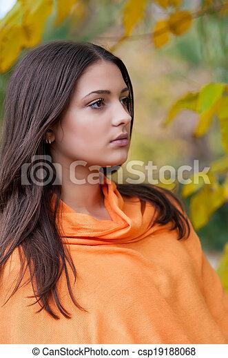 beau, automne, girl, parc - csp19188068