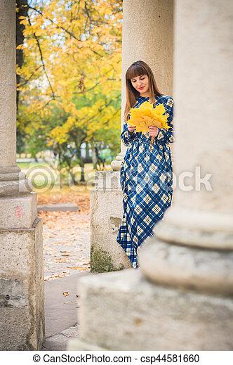 beau, automne, girl, parc - csp44581660
