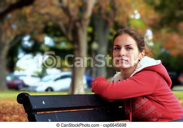 beau, automne, girl, parc - csp6645698