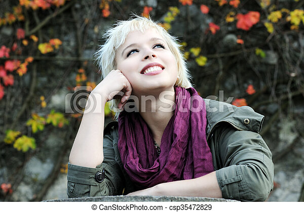 beau, automne, girl, parc - csp35472829