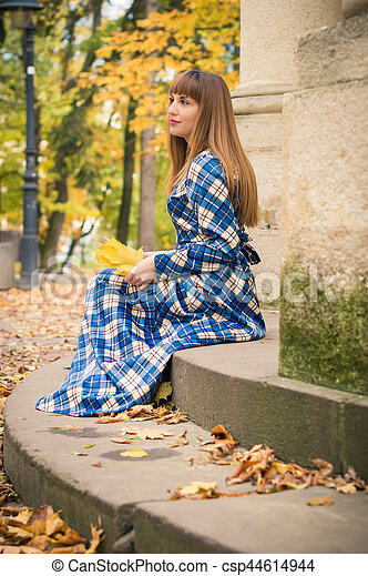 beau, automne, girl, parc - csp44614944
