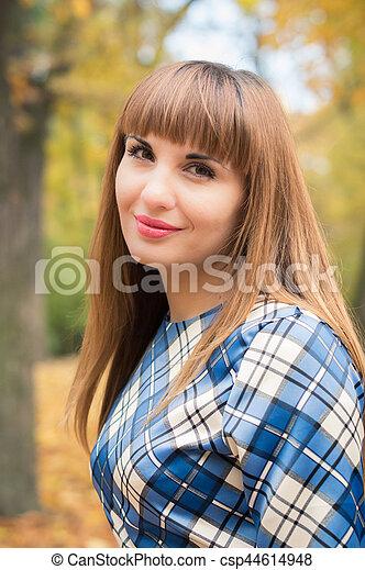 beau, automne, girl, parc - csp44614948