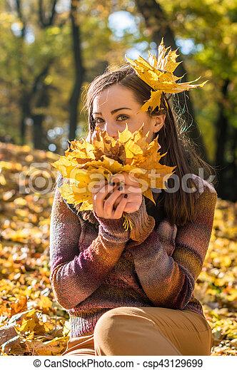 beau, automne, girl, parc - csp43129699