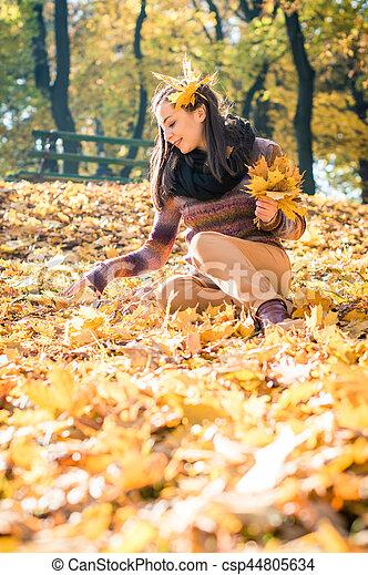 beau, automne, girl, parc - csp44805634