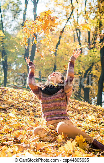 beau, automne, girl, parc - csp44805635