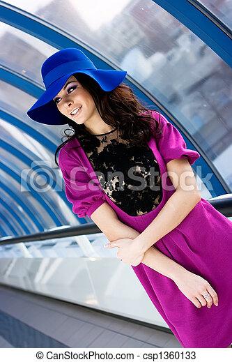 beau, bleu, robe pourpre, girl, chapeau - csp1360133