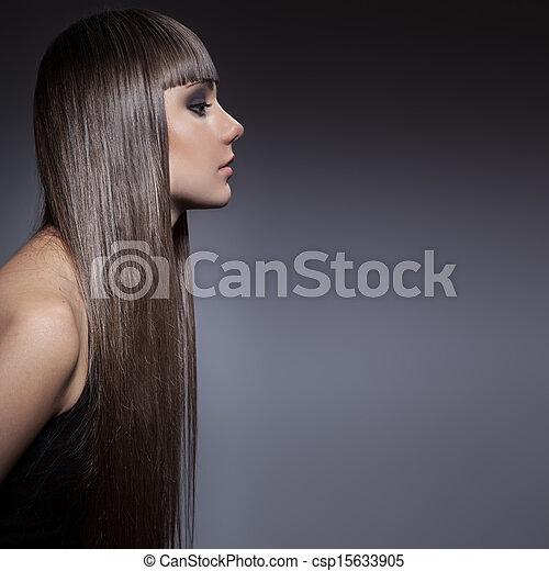 beau, brunette, directement, longs cheveux, portrait femme - csp15633905