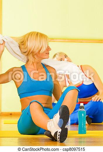 beau, délassant, après, exercice forme physique, femmes - csp8097515