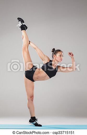 beau debout yoga sportif pose voltigeur asana girl
