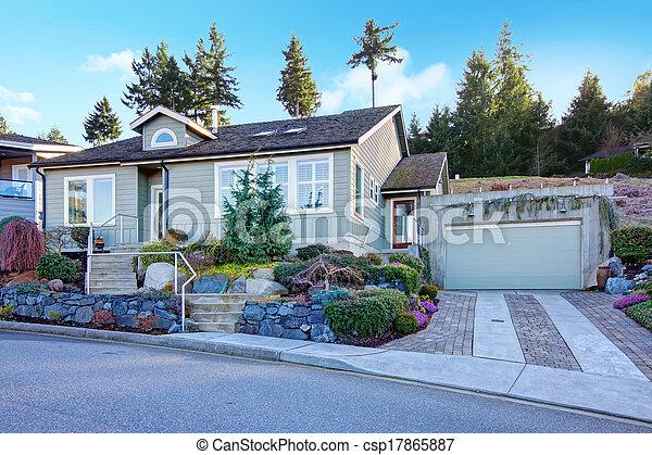 beau maison parterre fleurs tuile toit nord ouest petit histoire classique maison. Black Bedroom Furniture Sets. Home Design Ideas