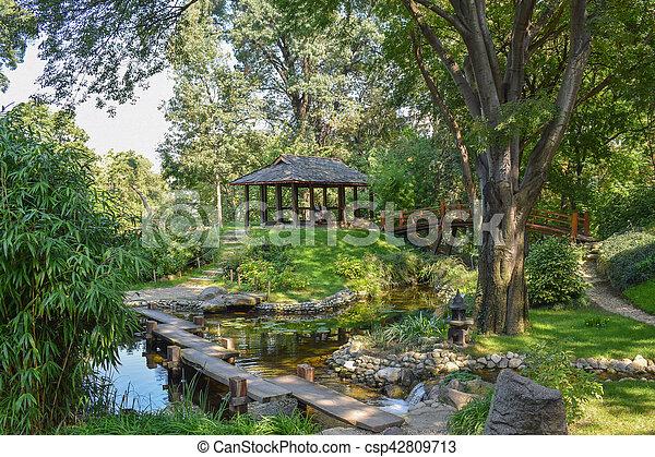 Beau, pont, romantique, japonaise, paisible, étang, jardin. Beau ...