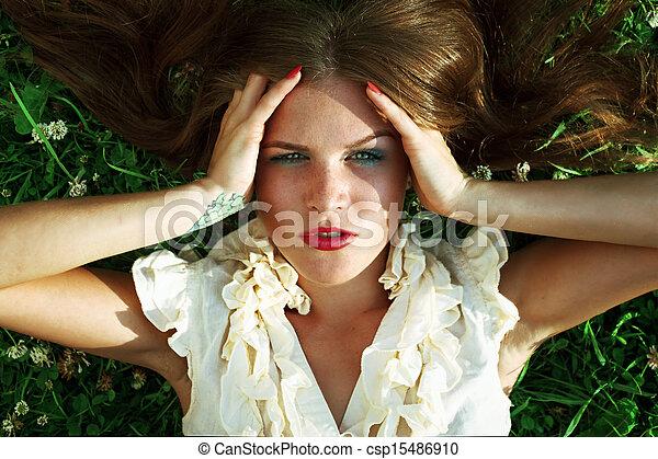 beau, portrait, femme, parc, jeune - csp15486910