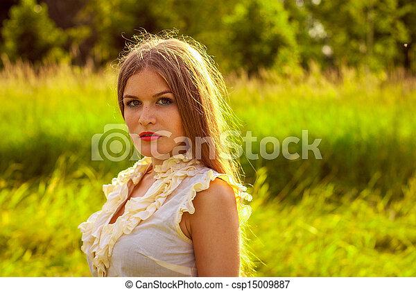 beau, portrait, femme, parc, jeune - csp15009887