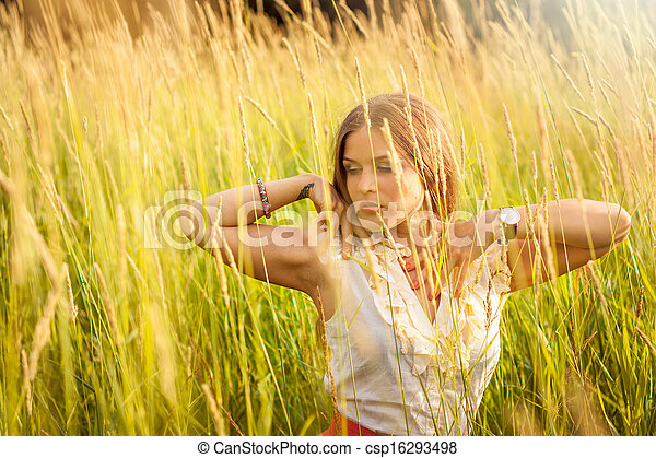 beau, portrait, femme, parc, jeune - csp16293498