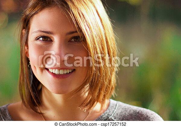 beau, portrait, femme souriante, jeune - csp17257152