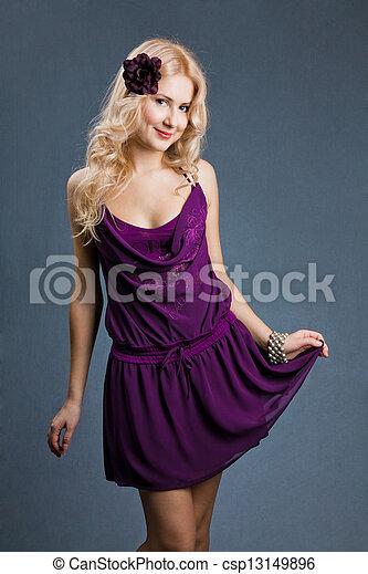 beau, pourpre, jeune, blond, robe, girl - csp13149896