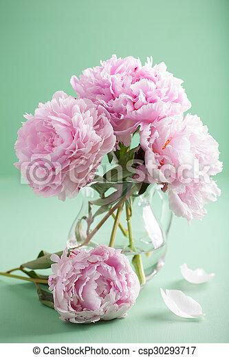 beau rose pivoine bouquet vase fleurs photographie de stock rechercher images et clipart. Black Bedroom Furniture Sets. Home Design Ideas