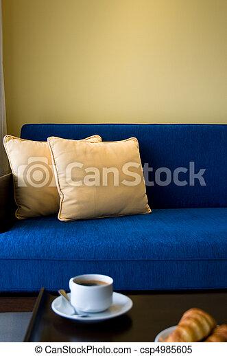 beau, vivant, pent, salle, maison, conception, intérieur - csp4985605