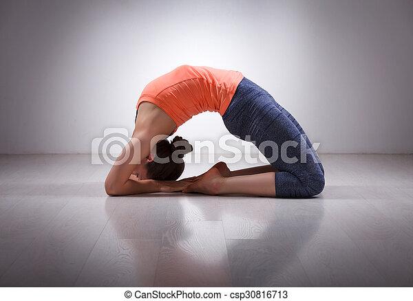 beau yoga sportif crise yogi kapotasana asana girl