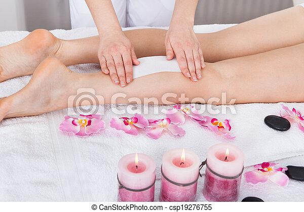 Beautician Waxing Woman's Leg - csp19276755
