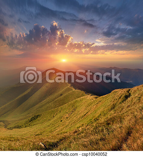 Beautiful autumn landscape in the Carpathian mountains - csp10040052