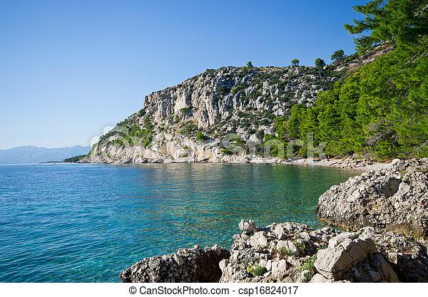 Beautiful beach on Croatian seashore, Makarska - csp16824017