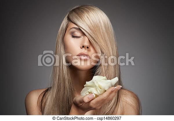 Beautiful Blond Girl. Healthy Long Hair. - csp14860297